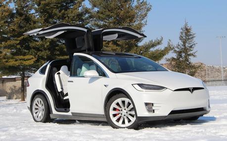 Tesla Model X : la familiale ovni